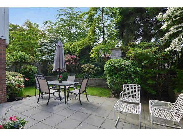 """Main Photo: 121 3188 W 41ST Avenue in Vancouver: Kerrisdale Townhouse for sale in """"THE LANESBOROUGH"""" (Vancouver West)  : MLS®# V1123090"""