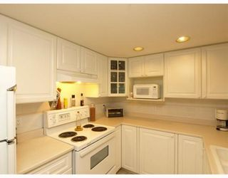 """Photo 5: 303 789 W 16TH Avenue in Vancouver: Fairview VW Condo for sale in """"SIXTEEN WILLOWS"""" (Vancouver West)  : MLS®# V774177"""