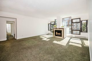 """Photo 3: PH4 1950 ROBSON Street in Vancouver: West End VW Condo for sale in """"THE CHATSWORTH"""" (Vancouver West)  : MLS®# R2619164"""