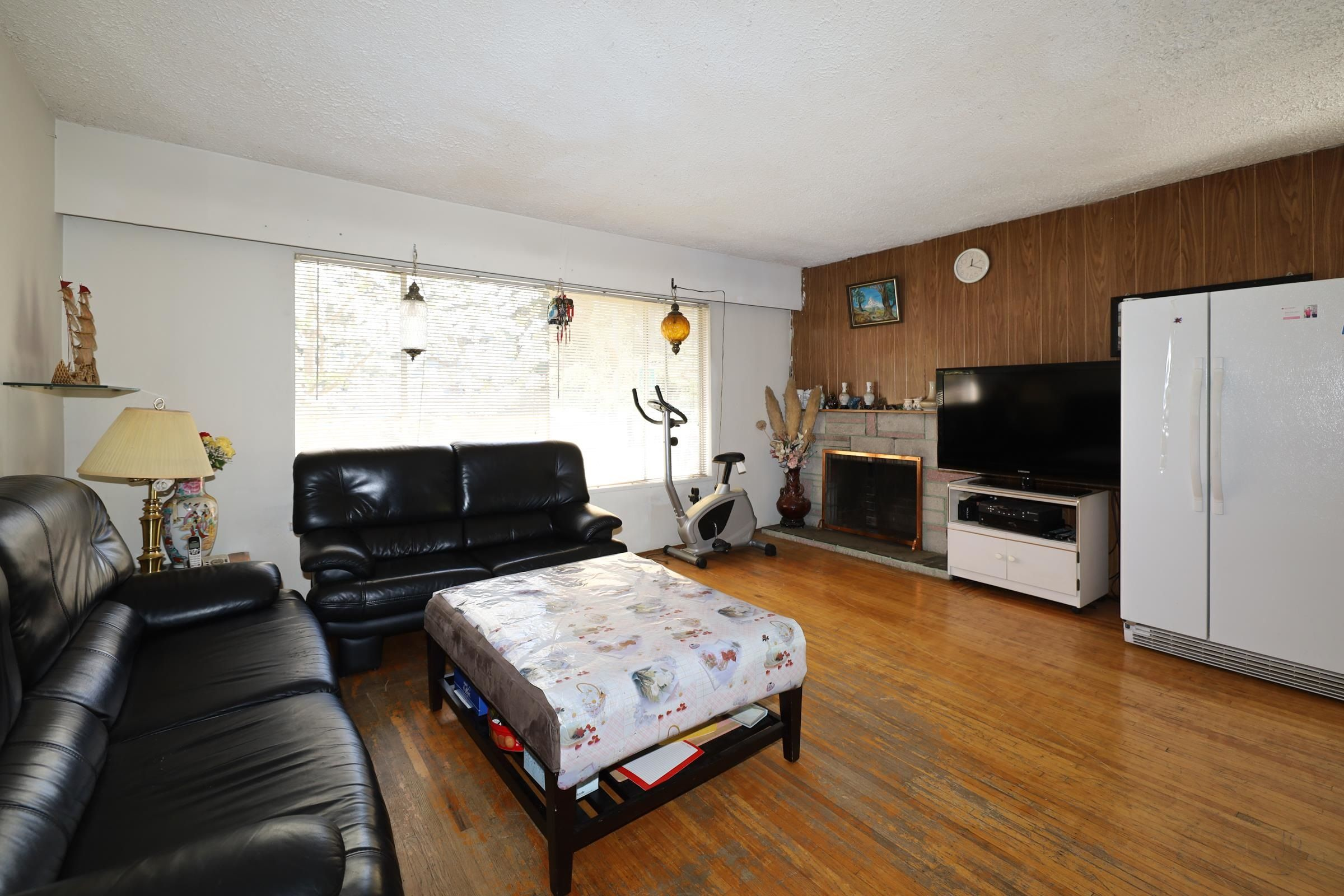 Main Photo: 3605 MARSHALL Street in Vancouver: Grandview Woodland House for sale (Vancouver East)  : MLS®# R2613055