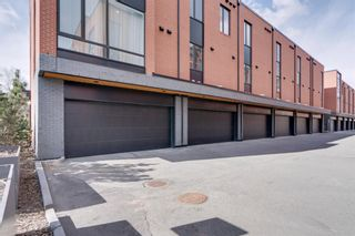Photo 3: 3004 Parkdale Boulevard NW in Calgary: Parkdale Row/Townhouse for sale : MLS®# A1093150