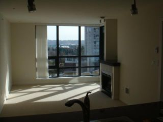 """Photo 7: 702 1 RENAISSANCE Square in New Westminster: Quay Condo for sale in """"THE Q"""" : MLS®# V844964"""