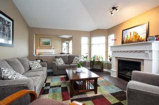 """Photo 3: 49 8555 209 Street in Langley: Walnut Grove Townhouse for sale in """"Autumnwood"""" : MLS®# R2154627"""