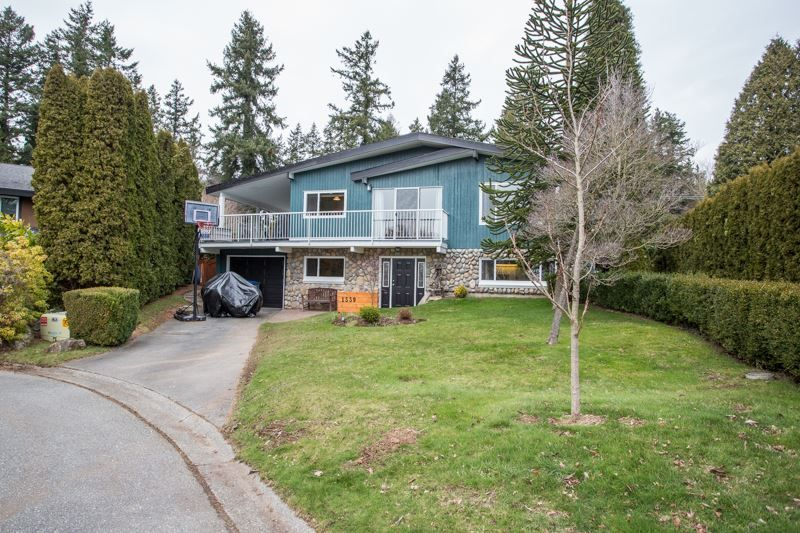 Photo 1: Photos: 1559 134A Street in Surrey: Crescent Bch Ocean Pk. House for sale (South Surrey White Rock)  : MLS®# R2538712