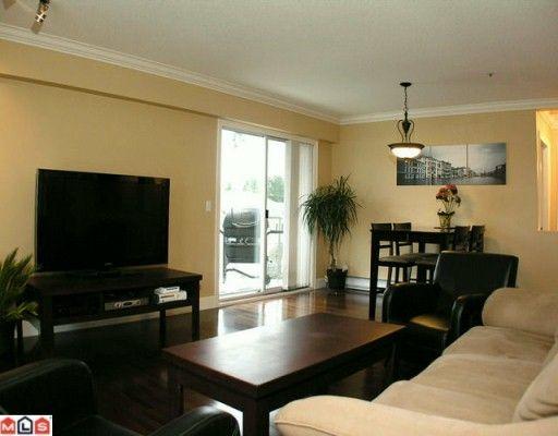 "Photo 3: Photos: 302 5419 201A Street in Langley: Langley City Condo for sale in ""Vista Gardens"" : MLS®# F2928069"