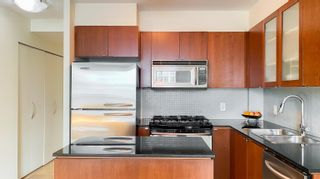 """Photo 9: 1007 822 SEYMOUR Street in Vancouver: Downtown VW Condo for sale in """"L'ARIA"""" (Vancouver West)  : MLS®# R2615782"""