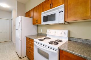 Photo 9: 202 1959 Polo Park Crt in Central Saanich: CS Saanichton Condo for sale : MLS®# 882519