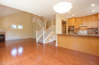 Photo 12: Master on Main in Detached Townhome in Sidney