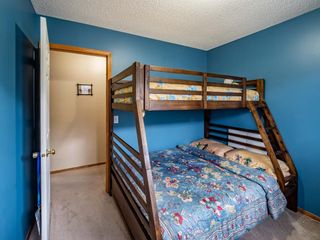 Photo 17: 29 Somerset Gate SW in Calgary: Somerset Detached for sale : MLS®# A1123677