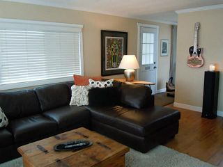 """Photo 2: 82 15875 20TH Avenue in Surrey: King George Corridor Manufactured Home for sale in """"SEA RIDGE BAYS"""" (South Surrey White Rock)  : MLS®# F1405552"""