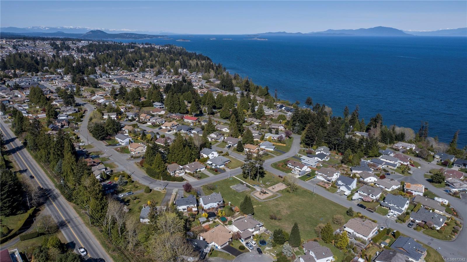 Photo 5: Photos: 5294 Catalina Dr in : Na North Nanaimo House for sale (Nanaimo)  : MLS®# 873342