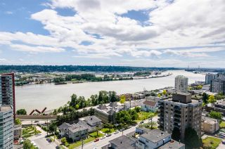 """Photo 1: 1705 188 AGNES Street in New Westminster: Downtown NW Condo for sale in """"THE ELLIOT"""" : MLS®# R2181152"""