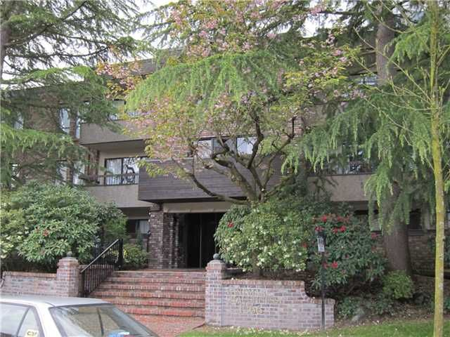 """Main Photo: 207 1266 W 13TH Avenue in Vancouver: Fairview VW Condo for sale in """"LANDMARK SHAUGHNESSY"""" (Vancouver West)  : MLS®# V953200"""