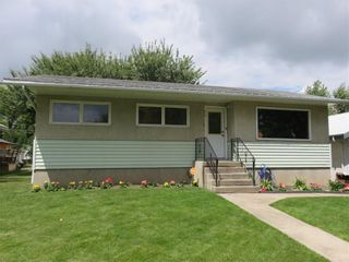Main Photo: 210 3 Street S: Vulcan Detached for sale : MLS®# A1107136