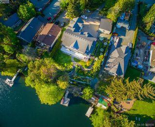 Photo 2: 2811 Lake End Rd in Langford: La Langford Lake House for sale : MLS®# 350899