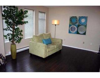 """Photo 3: 26 98 BEGIN Street in Coquitlam: Maillardville Townhouse for sale in """"LE PARE"""" : MLS®# V718679"""