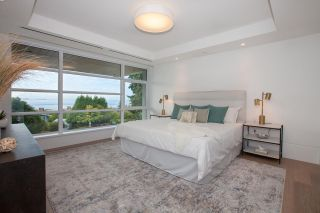 """Photo 10: TH1 2289 BELLEVUE Avenue in West Vancouver: Dundarave Townhouse for sale in """"Bellevue by Cressey"""" : MLS®# R2596483"""