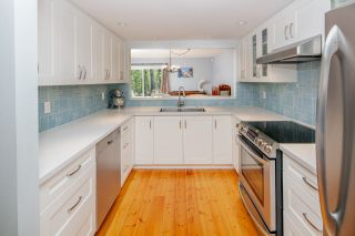 """Photo 6: 7260 WEAVER Court in Vancouver: Champlain Heights Townhouse for sale in """"Parklane"""" (Vancouver East)  : MLS®# R2354064"""