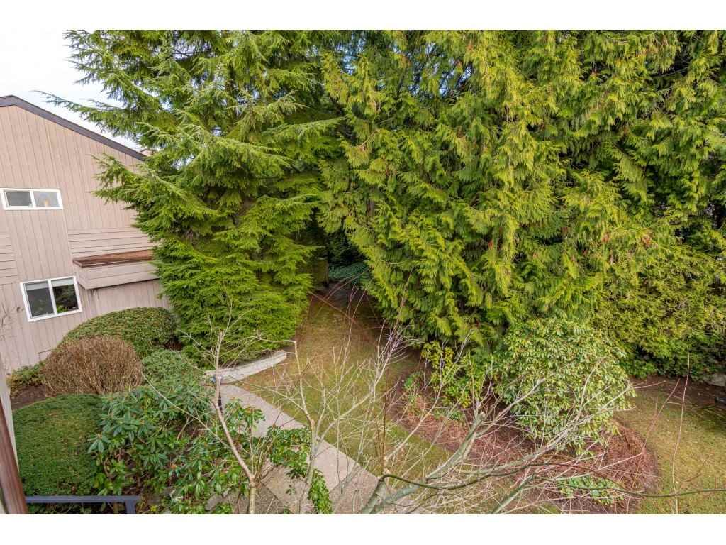 "Photo 19: Photos: 2393 MOUNTAIN Highway in North Vancouver: Lynn Valley Townhouse for sale in ""WORKWOOD PARK"" : MLS®# R2532253"