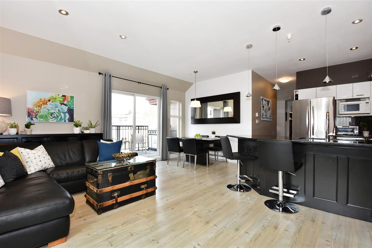 """Main Photo: 402 588 TWELFTH Street in New Westminster: Uptown NW Condo for sale in """"The Regency"""" : MLS®# R2242591"""