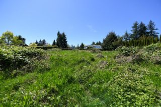 Photo 12: 2267 Seabank Rd in : CV Courtenay North Land for sale (Comox Valley)  : MLS®# 876071
