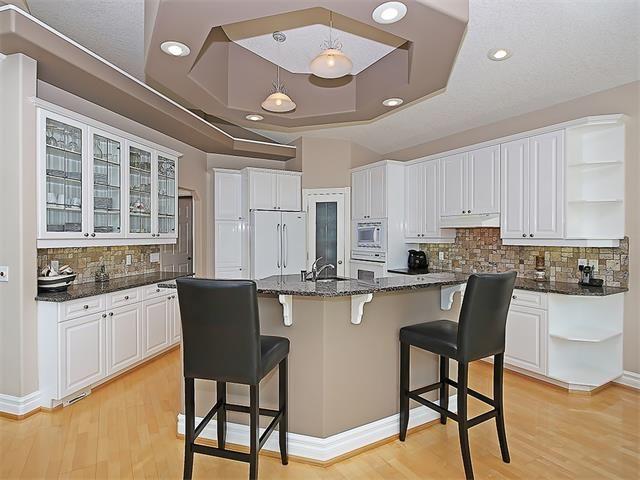 Photo 8: Photos: 315 MT DOUGLAS Court SE in Calgary: McKenzie Lake House for sale : MLS®# C4068873