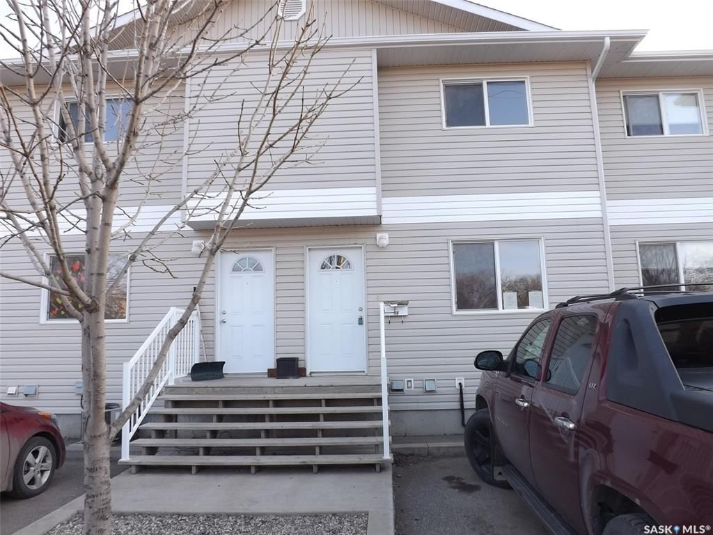 Main Photo: 15 1437 1st Street in Estevan: Westview EV Residential for sale : MLS®# SK841368
