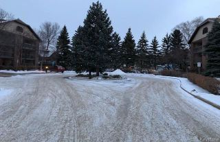 Photo 2: 202 77 Swindon Way in Winnipeg: Tuxedo Condominium for sale (1E)  : MLS®# 1730561