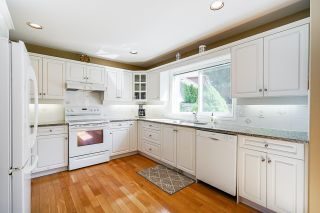 """Photo 12: 2232 140A Street in Surrey: Sunnyside Park Surrey House for sale in """"FOREST EDGE"""" (South Surrey White Rock)  : MLS®# R2602722"""