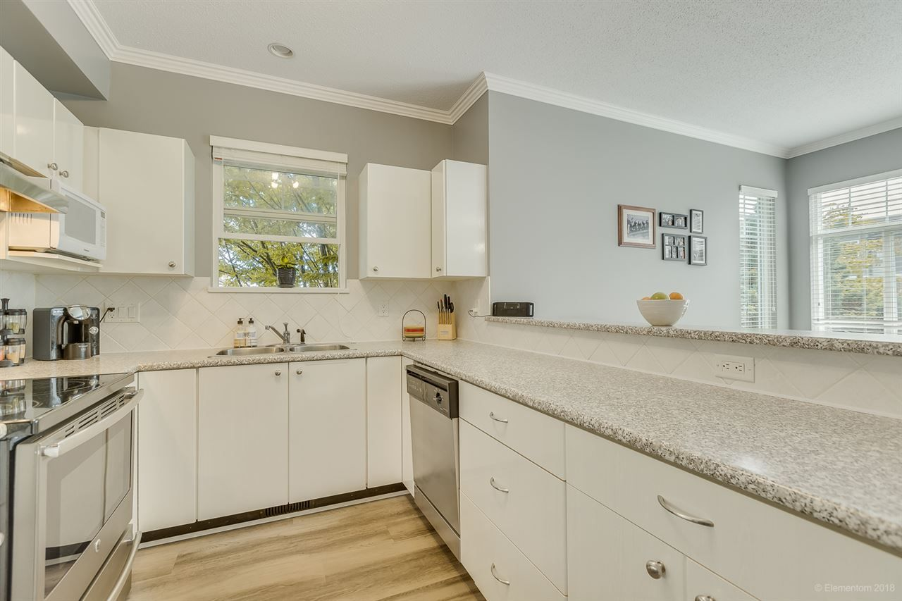 """Photo 9: Photos: 50 1010 EWEN Avenue in New Westminster: Queensborough Townhouse for sale in """"Windsor Mews"""" : MLS®# R2468809"""