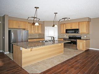 Photo 2: 22 SAGE HILL Common NW in Calgary: Sage Hill House for sale : MLS®# C4124640
