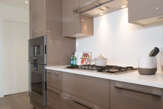 """Photo 14: 605 5289 CAMBIE Street in Vancouver: Cambie Condo for sale in """"CONTESSA"""" (Vancouver West)  : MLS®# R2553208"""