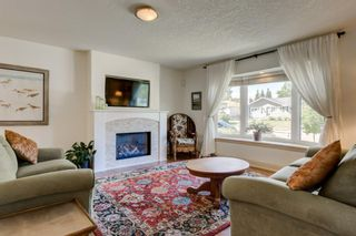 Photo 5: 16 WALNUT Drive SW in Calgary: Wildwood Detached for sale : MLS®# A1022816