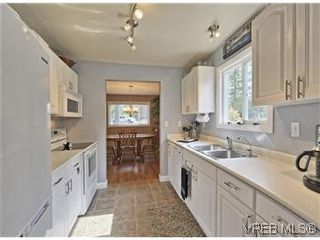 Photo 8: A 2999 Glen Lake Rd in VICTORIA: La Glen Lake Half Duplex for sale (Langford)  : MLS®# 583980