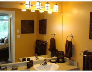 """Photo 9: 402 2628 YEW Street in Vancouver: Kitsilano Condo for sale in """"CONNAUGHT PLACE"""" (Vancouver West)  : MLS®# V784003"""