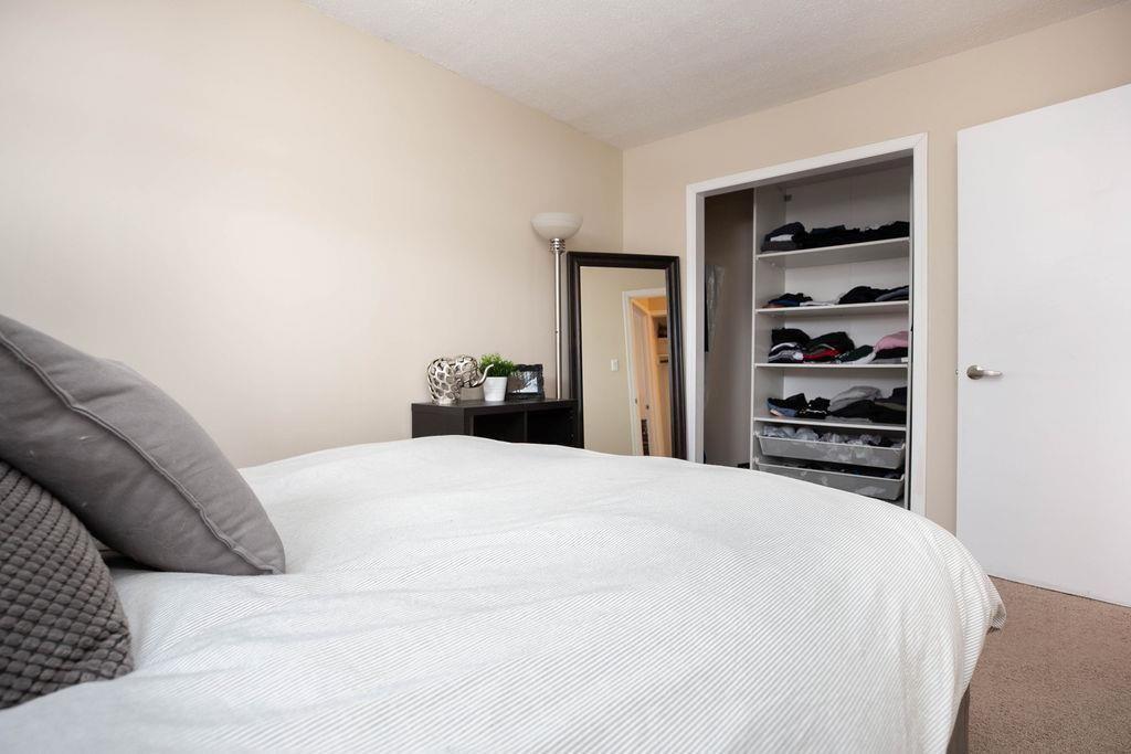 Photo 14: Photos: 284 Parkview Street in Winnipeg: St James Residential for sale (5E)  : MLS®# 202004878