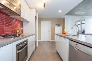 "Photo 1: 1203 108 W CORDOVA Street in Vancouver: Downtown VW Condo for sale in ""Woodward W32"" (Vancouver West)  : MLS®# R2111852"