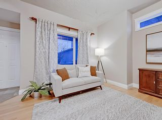 Photo 15: 30 Springborough Crescent SW in Calgary: Springbank Hill Detached for sale : MLS®# A1070980