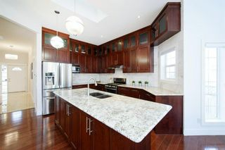 Photo 9: 76 Douglas Glen Heights SE in Calgary: Douglasdale/Glen Detached for sale : MLS®# A1042549