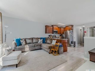 Photo 3: 3918 Diefenbaker Drive in Saskatoon: Confederation Park Residential for sale : MLS®# SK870637
