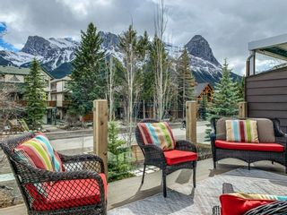 Photo 2: 622 4 Street: Canmore Semi Detached for sale : MLS®# A1135978