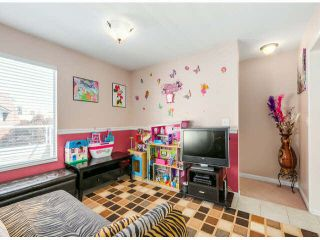 """Photo 9: 205 13725 72A Avenue in Surrey: East Newton Townhouse for sale in """"PARK PLACE ESTATES"""" : MLS®# F1418923"""