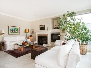 """Photo 3: 201 1551 MARINER Walk in Vancouver: False Creek Condo for sale in """"LAGOONS"""" (Vancouver West)  : MLS®# V1098962"""