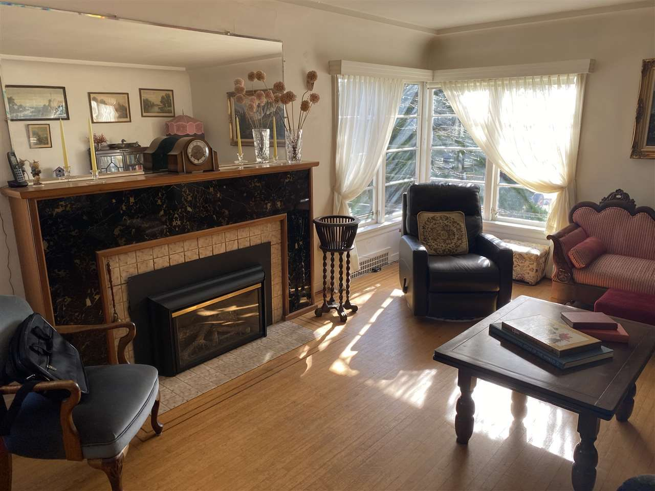 Photo 4: Photos: 729 THIRD Avenue in New Westminster: Uptown NW House for sale : MLS®# R2552449