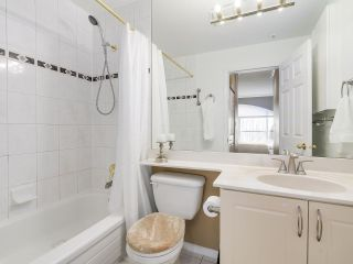 """Photo 13: PH10 511 W 7TH Avenue in Vancouver: Fairview VW Condo for sale in """"BEVERLY GARDENS"""" (Vancouver West)  : MLS®# R2156639"""