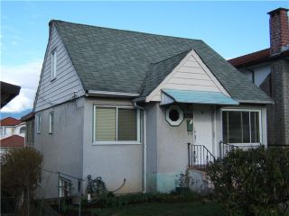 "Photo 2: 627 E 28TH Avenue in Vancouver: Fraser VE House for sale in ""FRASER"" (Vancouver East)  : MLS®# V865109"