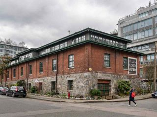 Main Photo: 5 280 E 6TH AVENUE in Vancouver: Mount Pleasant VE Condo for sale (Vancouver East)  : MLS®# R2554912