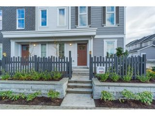 """Photo 2: 25 8370 202B Street in Langley: Willoughby Heights Townhouse for sale in """"Kensington Lofts"""" : MLS®# R2517142"""