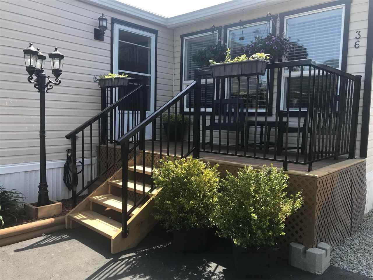 Main Photo: 36 41168 LOUGHEED Highway: Manufactured Home for sale in Mission: MLS®# R2578557