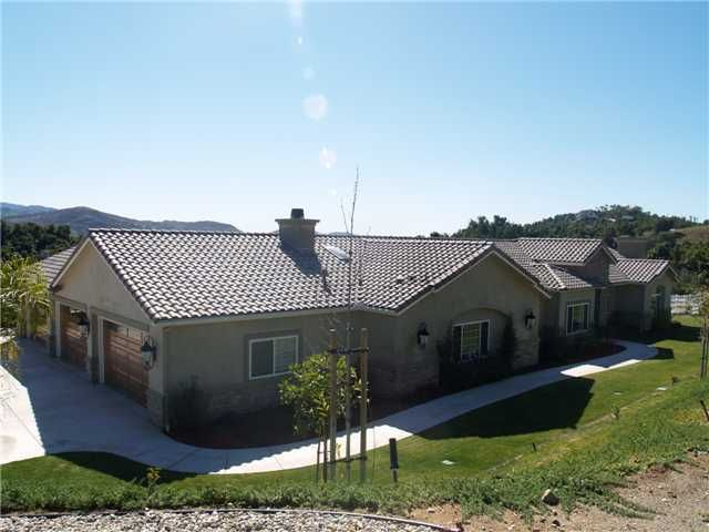 Main Photo: EAST ESCONDIDO House for sale : 4 bedrooms : 2543 Royal View in Escondido